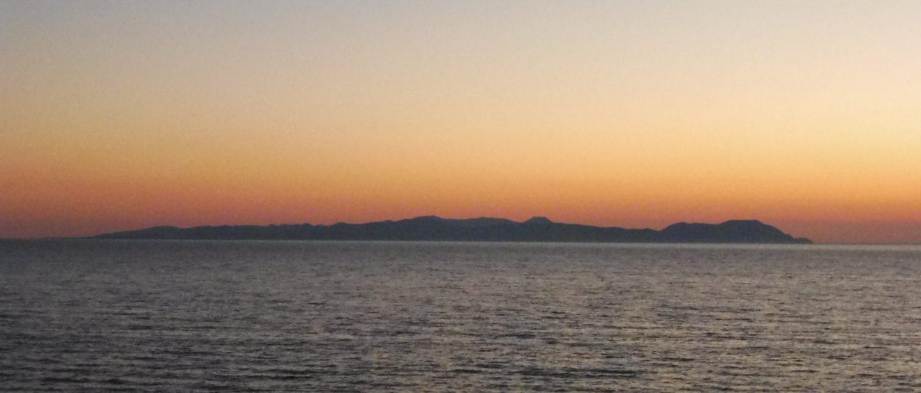 Imbros vue depuis le port de Kabatepe, dans les Dardanelles. Crédit Alexis Demoment.